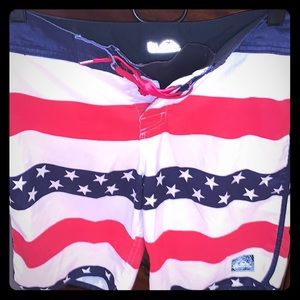 🍭QUICKSILVER BOARDSHORTS YOUTH SZ27 AMERICAN FLAG